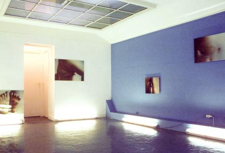 <b>Les vases communicants</b>, exhibition view, Le Logoscope, Monaco, 2001