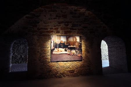 <b>La grenade</b>, vue de l'exposition, Fort Napoléon, Galerie La Tête d'Obsidienne, La Seyne-sur-Mer, 2010 (photo: Rozenn Leboucher)